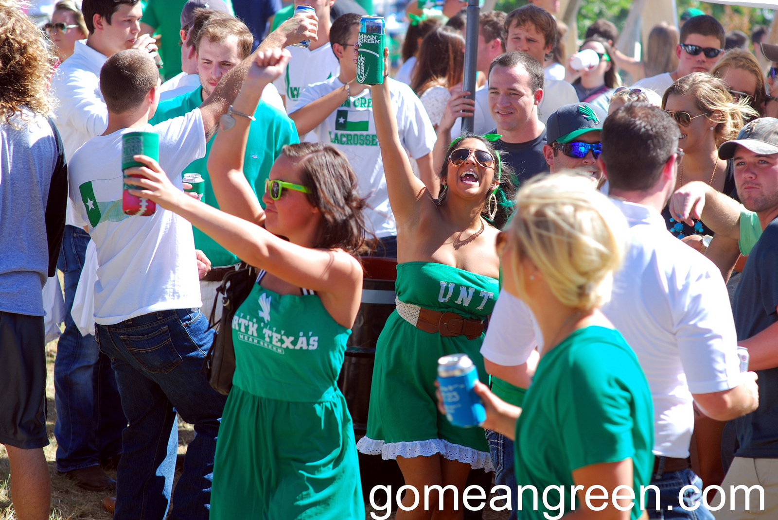 Dancing on The Hill @Apogee