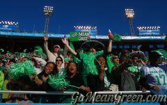 Fans cheer On UNT