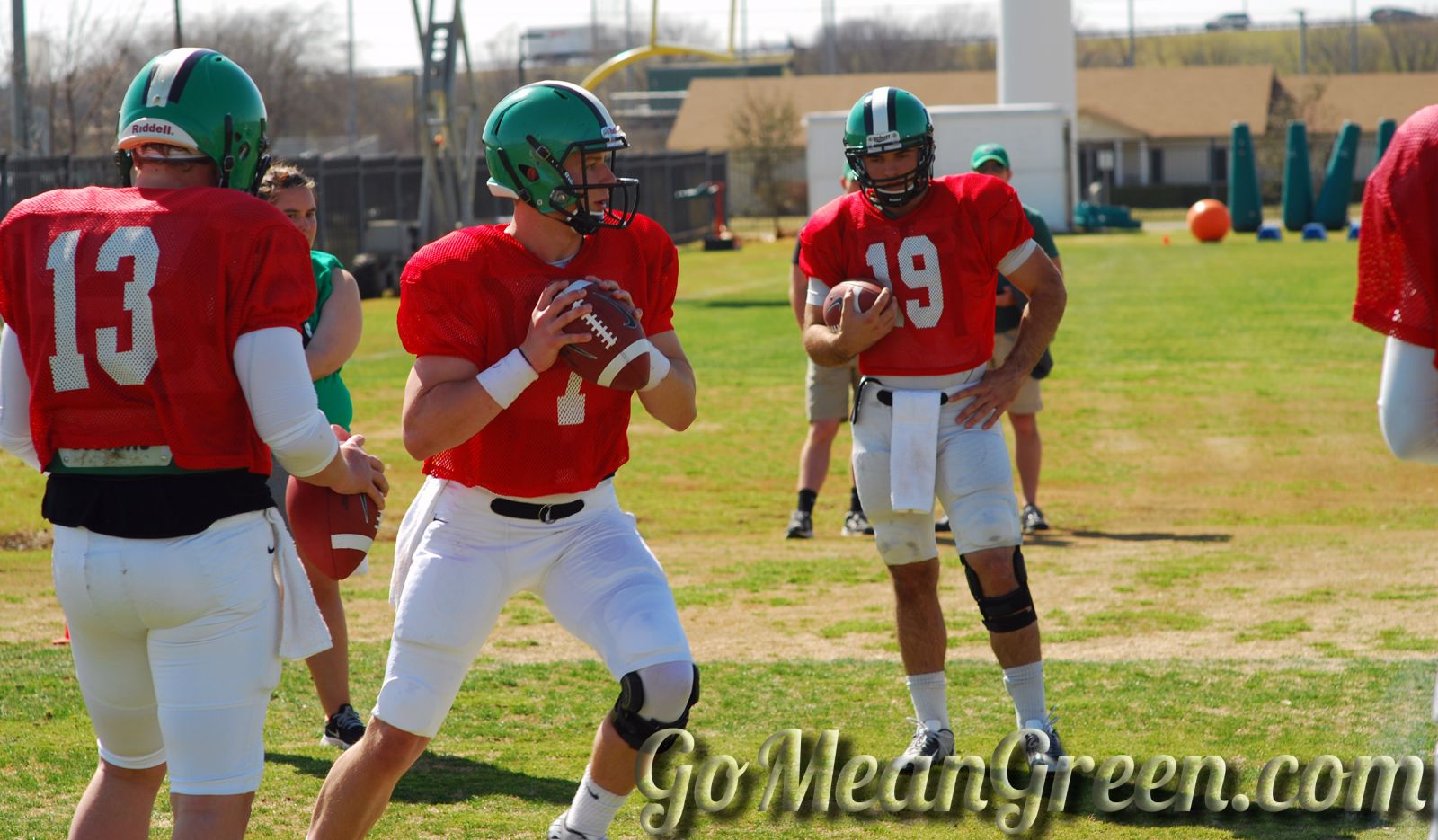 UNT QB Connor Means In drills