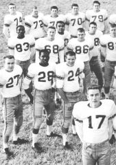 1958 p422 footballteam