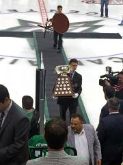 The-Art-Ross-Trophy2015.jpg
